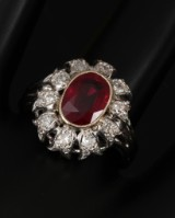 Ruby and diamond ring with Burma ruby, approx. 2.00 ct<br>