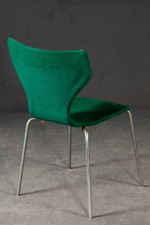 arne jacobsen stuhl 3107 gestell f r einen 3107 3 wilde. Black Bedroom Furniture Sets. Home Design Ideas