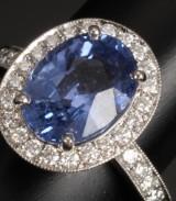 Sapphire and brilliant-cut diamond ring, 950 platinum