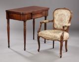 Spillebord, 1800-tallets anden halvdel,  samt armstol. (2)