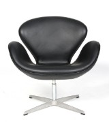 Arne Jacobsen. The Swan, black aniline leather