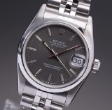 Rolex 'Datejust'. Midsize ladies watch, steel, with silver grey dial, 1993
