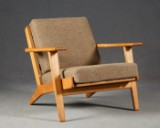 Hans J. Wegner, a lounge arm chair / chair, model GE-290 in oak, for Getama