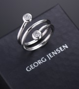 Georg Jensen. Aurora brilliant-cut diamond ring, 18 kt. white gold, total approx. 0.30 ct.