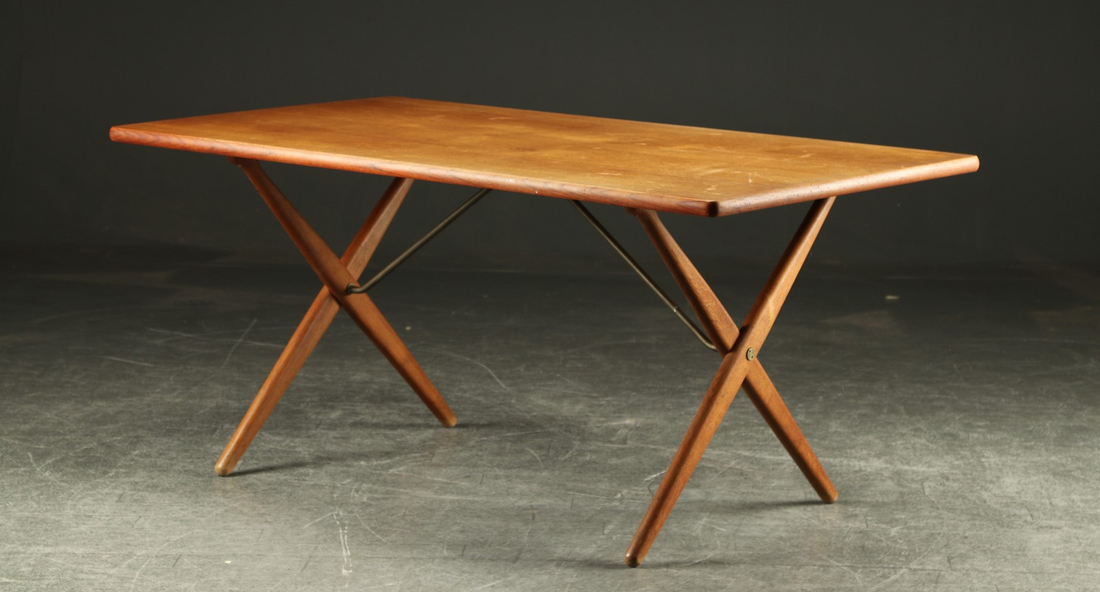Auktionstipset - Hans J. Wegner, Spisebord AT-303 Savbukkebordet ...