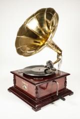 Trattgrammofon, `His Masters Voice Replica`.