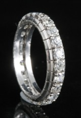 Diamond eternity ring in 18kt approx 1.00ct