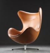 Arne Jacobsen. The Egg, lounge chair, cognac leather