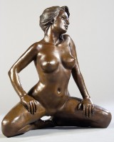 Unbekannt. Weibliche Figur. Bronze.