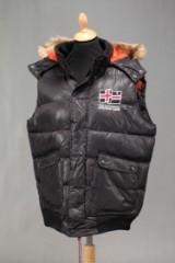 Extreme Land Vest model Lasso, Sort, str. M