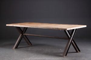 Langbord/Spisebord i fransk antik landstil. Af genanvendt gammelt elmetræ | Lauritz.com