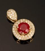 Vedhæng, 14 kt guld med diamanter og rubin