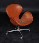 Arne Jacobsen. Vintage lænestol, 'Svanen' på hjul, model 3323