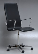 Arne Jacobsen. Oxford office chair, model 3273, Red Label