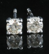 Earrings in 14k set with brilliant cut diamonds 0.68 ct