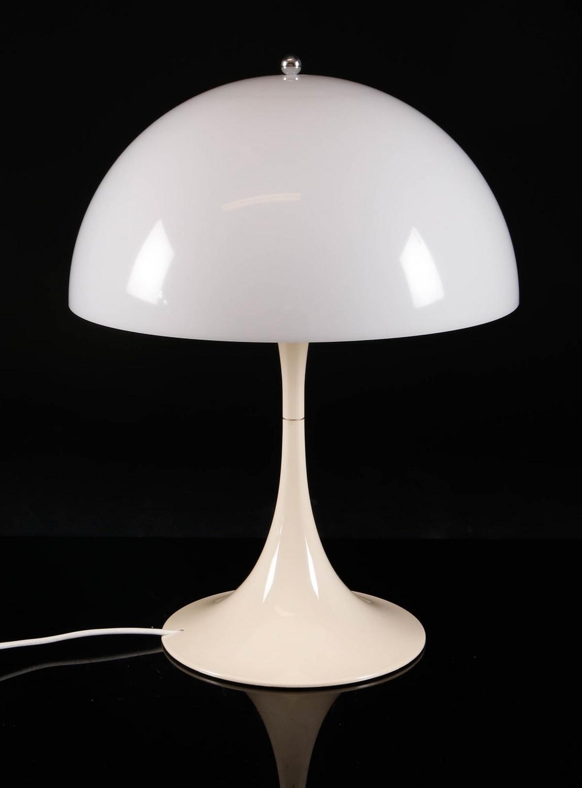 Inredning akrylplastskiva : Auktionstipset - Verner Panton, 'Pantella' bordlampe af hvidt ...
