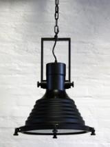 Pendel, sort, industrielt design.