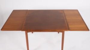 poul hundevad ausziehbarer tisch esstisch in teak. Black Bedroom Furniture Sets. Home Design Ideas