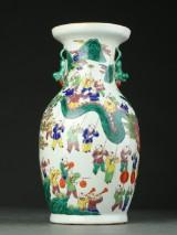 Kinesisk vase prydet med hanke som Pho-hunde, 1900-tallet