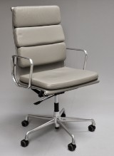 Charles Eames. Office chair, model EA 219 'Full Leather'