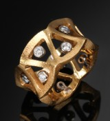 Ole Lynggaard. 'Prisme' wide ring, 18 satin-finish gold with diamonds