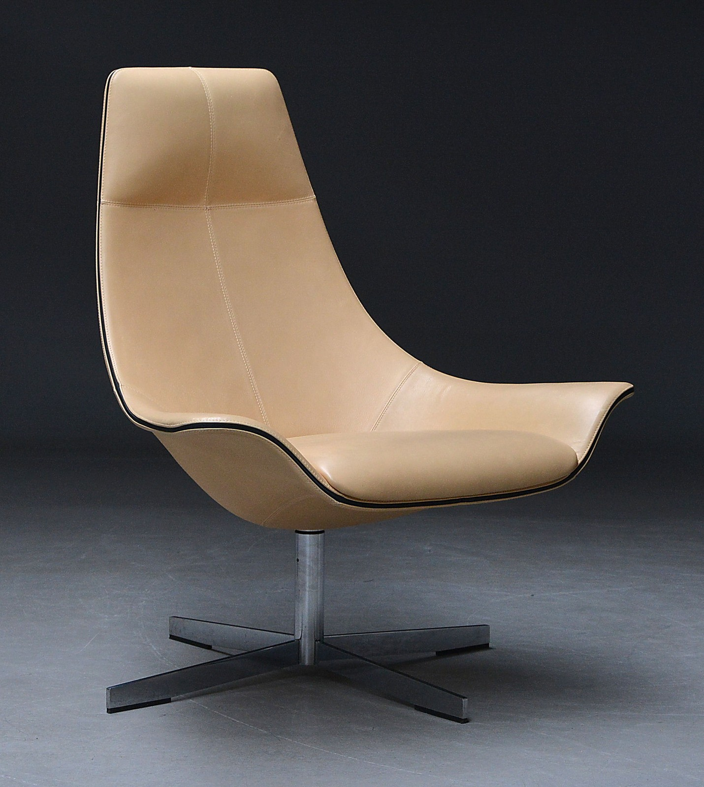Rodolfo Dordoni For Matteo Grassi. Lounge Chair Upholstered In Light  Leather, Model 2Leather | Lauritz.com