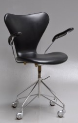 Arne Jacobsen. Vintage office chair, model 3217, from 1965