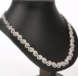 Necklace with diamonds, 14 kt white gold, 4.40 ct