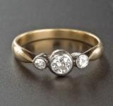 Ring 14 kt Gelbgold/Silber mit 3 Altschliffdiamanten