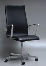 Arne Jacobsen. Oxford kontorstol, model 3273, Brown label fra år 2012