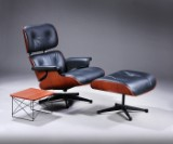 Charles Eames, Lounge Chair med tilhørende fodskammel og lille LTR bord, Mahogni Winter Edition 2018 (3)