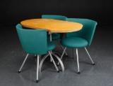 Erik Jørgensen m.fl. Tre stole og bord (4)