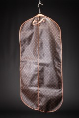 Louis Vuitton. Garment bag