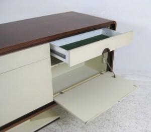 palisander sideboard bar mit elektrisch ausfahrbarem barteil. Black Bedroom Furniture Sets. Home Design Ideas