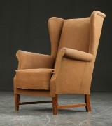 Lænestol overpolstret med uld, dansk møbelproducent