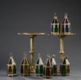 Samling marokkanske lanterner samt to borde. (10)