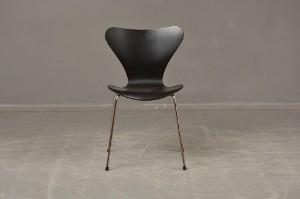 Arne Jacobsen Stoel : Arne jacobsen fritz hansen. sjuan stol modell 3107 lauritz.com