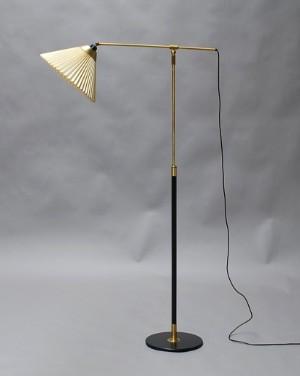 lot 1493903 le klint teleskoplampe model 349. Black Bedroom Furniture Sets. Home Design Ideas
