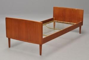 teak seng Slutpris för Dansk møbelproducent. seng i teak. teak seng