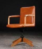 H. J. Wegner. Office chair, Plan Møbler, 1940s, oak and leather