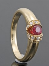 14kt. diamond and ruby ring approx. 0.10ct