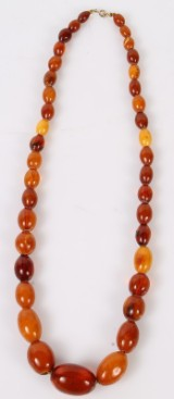 Danish amber. Polished amber pearl necklace, early 20th century, 85 g.