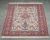 Persian Isfahan rug, 110 x 173 cm
