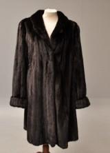 Alex Petersen. Saga mink coat, swing model, approx. size medium