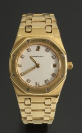 Audemars Piguet 'Royal Oak Lady'. Ladies' watch, 18 kt gold with diamonds