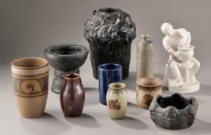 2c94726c4596 Slutpris för L. Hjorth. En samling keramik.