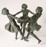 Dansende piger.