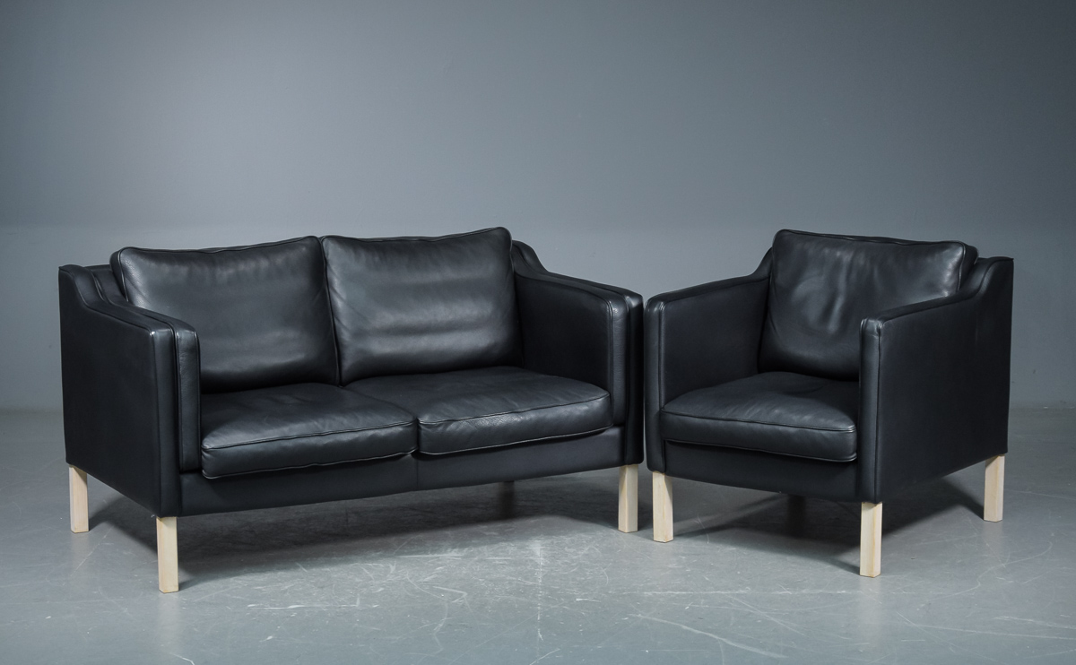 Picture of: Ide Mobler To Pers Sofa Og Laenestol Model Waldorf 2 Lauritz Com