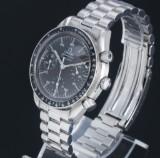 Omega 'Speedmaster Reduced Moon Watch'. Herrechronograf i stål med sort skive, ca. 1993