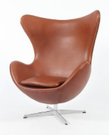 Arne Jacobsen. The Egg, lounge chair, bicoloured leather